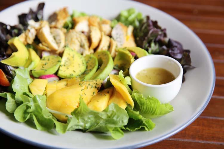 Receta ensalada de pollo con mango